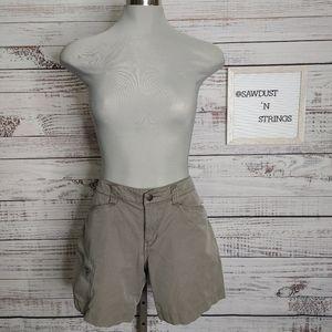 Arc'teryx khaki shorts size 8